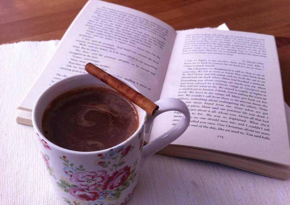 hot-chocolate-and-a-good-book (1)